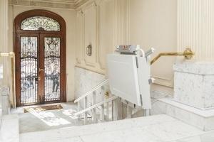 Instalación de salvaescaleras en tu edi