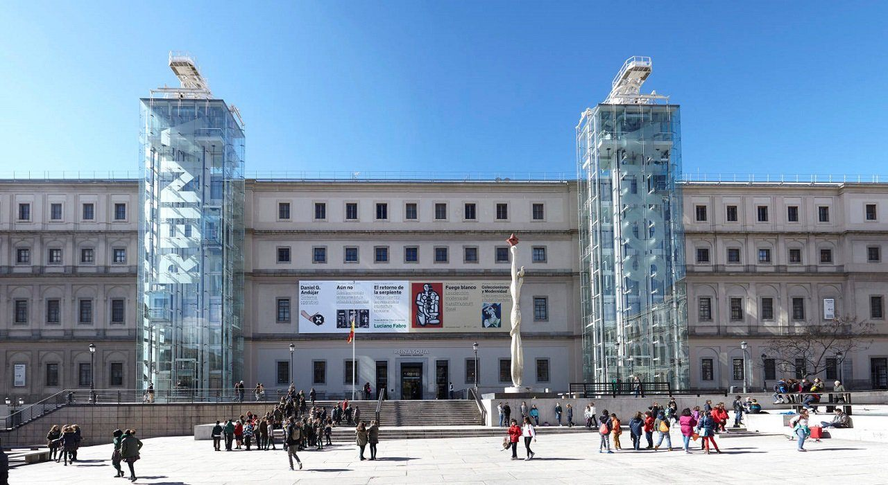 Instalación de ascensores en fachadas de edificios